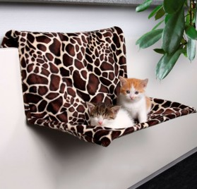 TRIXIE Radiator Bed, Plush for Cats - Giraffe